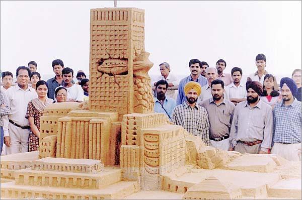 Sand castle winner 2001